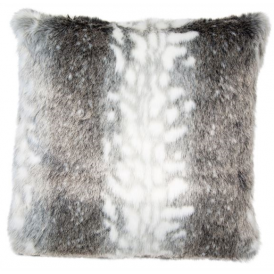 Boutique Camping Malini – Arctic Faux Fur Cushion