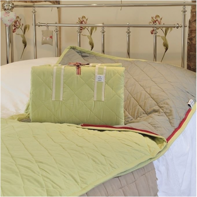 The Bedwyn Sleeping Bag - Apple